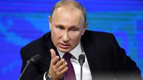 الرئيس الروسي، فلاديمير بوتين، خلال مؤتمره الصحفي السنوي الـ14