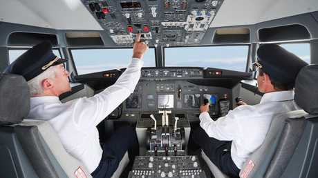 قانون يجبر الطيارين على الصمت تجنبا للحوادث