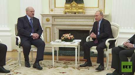 موسكو ومينسك تبحثان مقترحات لتحديد أسعار توافقية للغاز