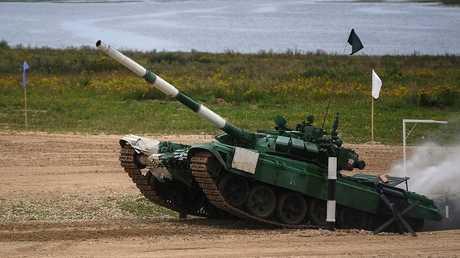 دبابة للفريق الإيراني أثناء الألعاب العسكرية الدولية 2018