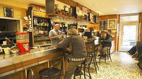 القهوة والكحول تطيل العمر