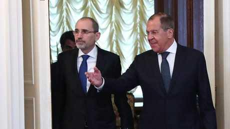 وزيرا الخارجية الروسي، سيرغي لافروف، والأردني، أيمن الصفدي