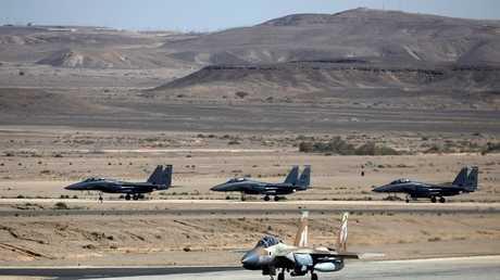 طائرات مقاتلة إسرائيلية من طراز F-15  في قاعدة عوفدا الجوية، جنوب إسرائيل 16 مايو 2017
