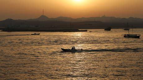 قوارب قرب الإمارات