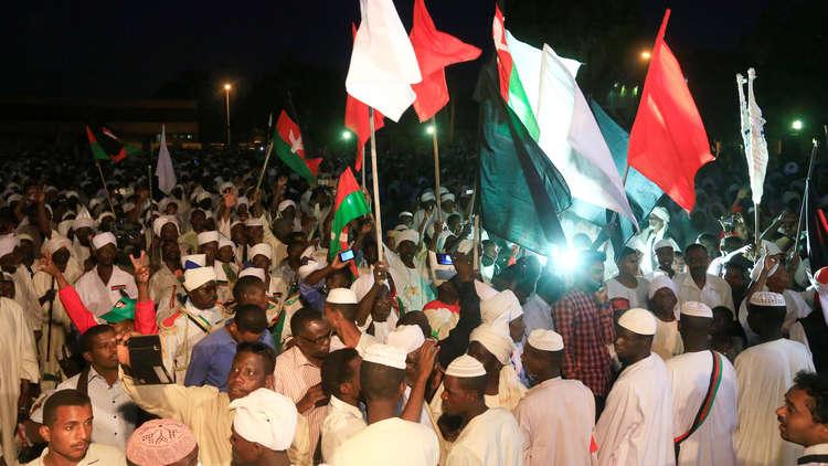 اقتراح من الأمين العام للاتحاد العالمي لعلماء المسلمين لحل الأزمة الراهنة في السودان