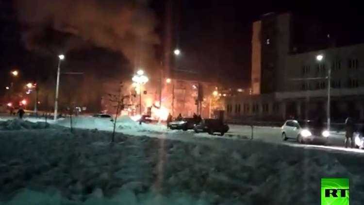 مقتل 3 أشخاص في حريق بحافلة ركاب وسط روسيا