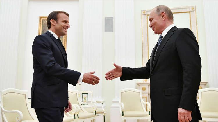 بوتين يبحث مع ماكرون تسوية الأزمة السورية