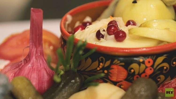 مائدة عيد رأس السنة في روسيا - تقاليد ومستلزمات