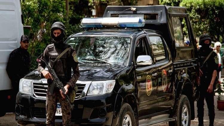 مصر.. 8 مسؤولين محليين قبض عليهم بالجرم المشهود!