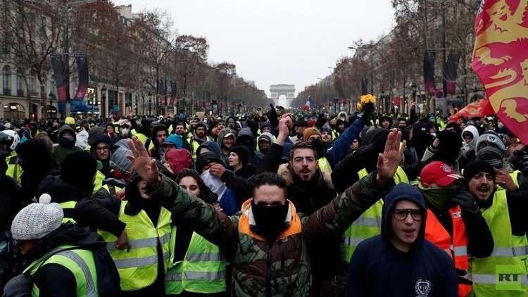 صحفية فرنسية: المحتجون يرفضون الحديث إلينا ويثقون بتغطية RT