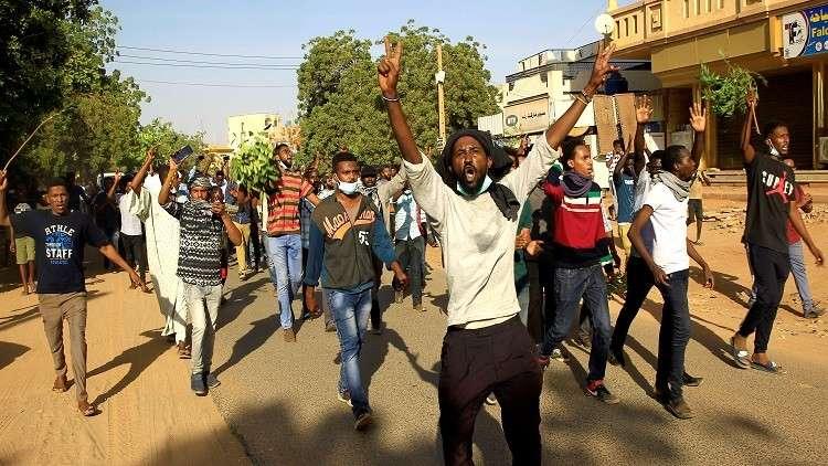 الأمن السوداني يخلي سبيل صحفي أوقف بسبب تأييده للاحتجاج