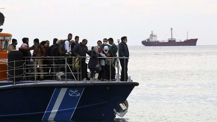 مهاجرون عالقون في المتوسط بانتظار موافقة دول أوروبية على استقبالهم