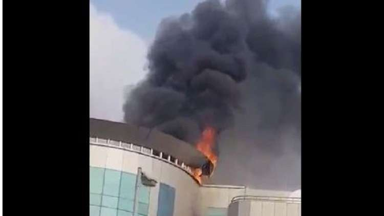 السعودية.. اندلاع حريق داخل مركز تجاري في جدة