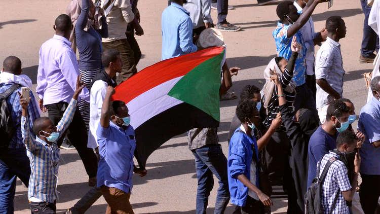 السودان.. إطلاق سراح جميع الأساتذة المعتقلينخلال وقفة تضامنية