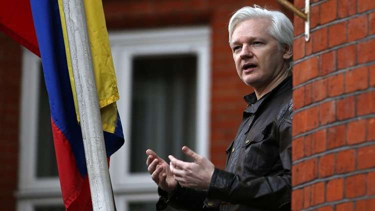 ويكيليكس يحظر على الصحفيين كتابة 140 جملة عن أسانج