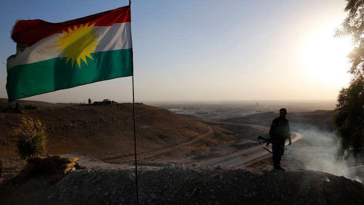 الحكومة العراقية تعلق على رفع أحزاب في كركوك علم كردستان