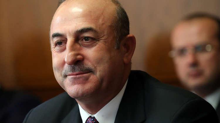وزير الدفاع التركي وضباط رفيعو المستوى يتفقدون الوحدات العسكرية على الحدود مع سوريا