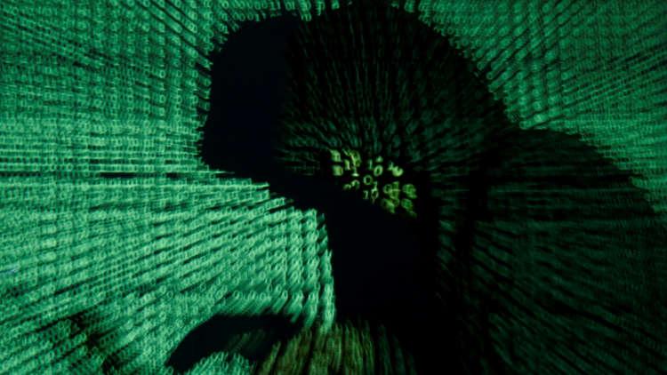 3 سنوات سجن لهاكر بريطاني قطع الإنترنت عن بلد بالكامل