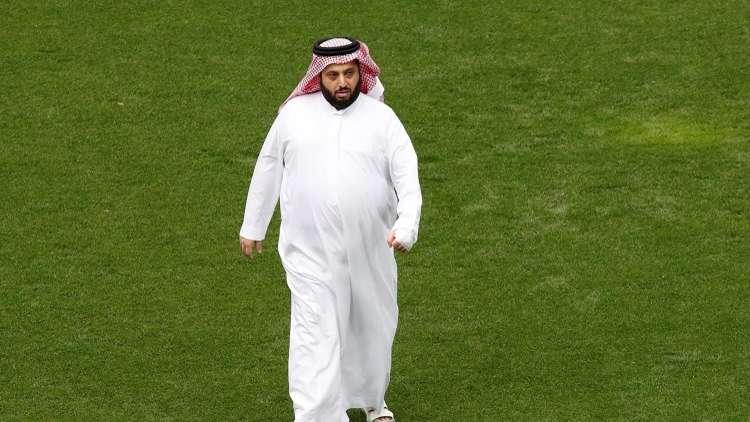 تركي آل الشيخ يرفض عرضا مغريا لبيع بيراميدز