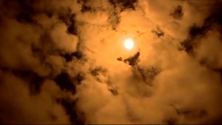 شاهد.. إيران تطلق قمرا صناعيا إلى الفضاء لكن التجربة فشلت!