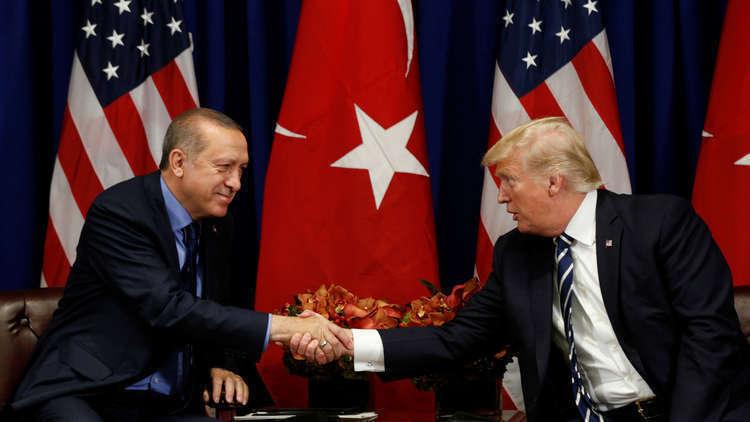 ترامب طلب من تركيا عدم التعامل بسوء مع الأكراد