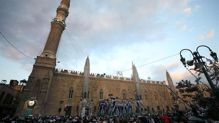 مصر.. وزير إسرائيلي يزور مسجد محمد علي في القاهرة (صور)