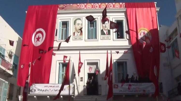 إضراب بتونس ضد رفض الحكومة زيادة الأجور