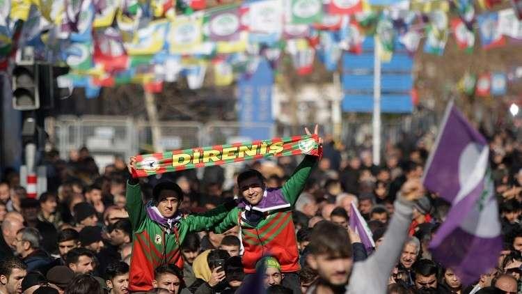 تركيا.. مظاهرات مؤيدة لنائبة كردية مضربة في السجن