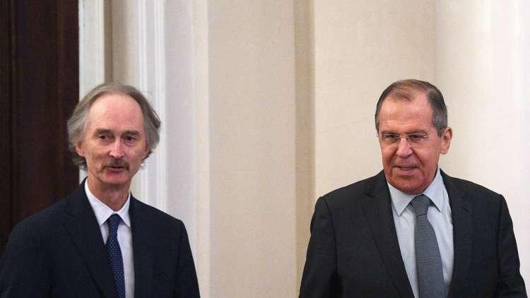 لافروف وبيدرسن يشددان على ضرورة مباشرة اللجنة الدستورية السورية عملها في أسرع وقت