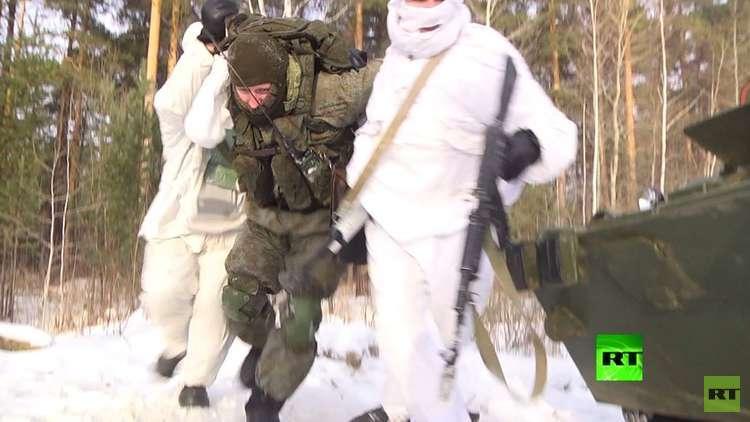 شاهد.. قوات الاستطلاع توقف رتلا من المدرعات في أورال وتخطف عناصر منهم