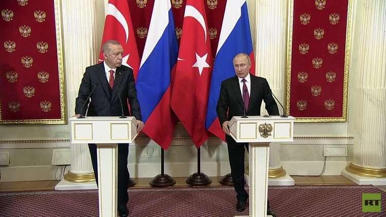 بوتين: نؤيد إقامة الحوار بين الحكومة السورية والأكراد
