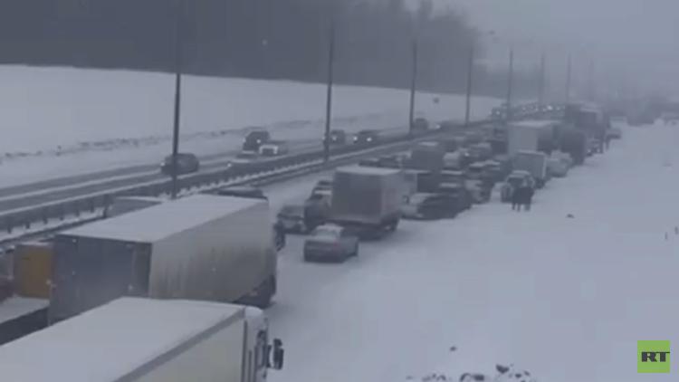الثلوج تجتاح العاصمة الروسية موسكو