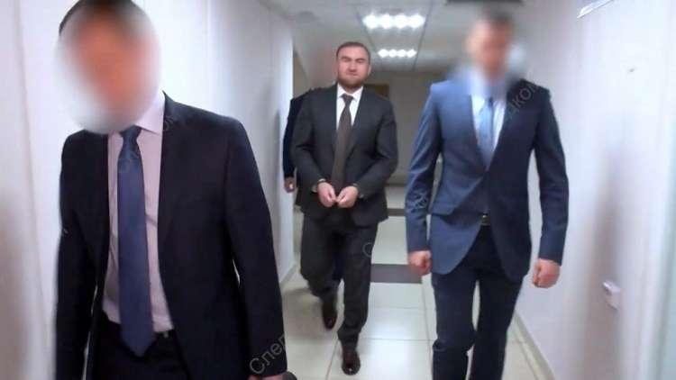 اعتقال رؤوف أراشوكوف العضو في مجلس الاتحاد الروسي عن جمهورية قره شاي شركسيا