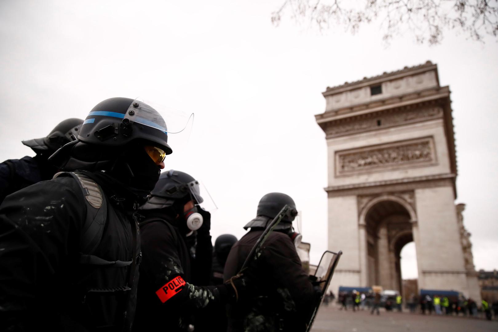 فرنسا.. توقيف حوالي 100 من
