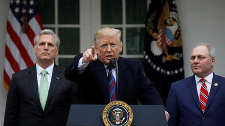 """الرئيس الأمريكي دونالد ترامب يعقد مؤتمرا صحفيا عقب اجتماع مع قادة الكونغرس بشأن """"الإغلاق الحكومي"""" وبناء جدار فاصل مع المكسيك"""