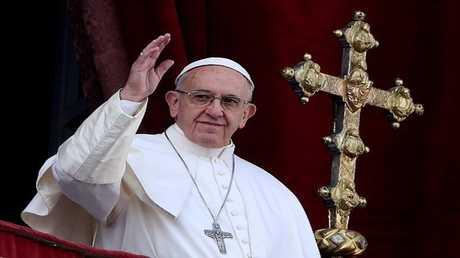 بابا الفاتيكان يحيي السيسي