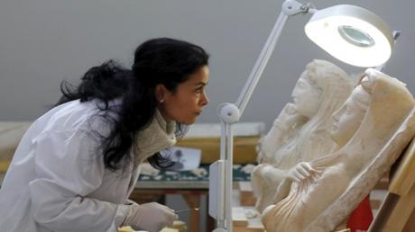 ترميم آثار تدمر في المتحف الوطني بدمشق