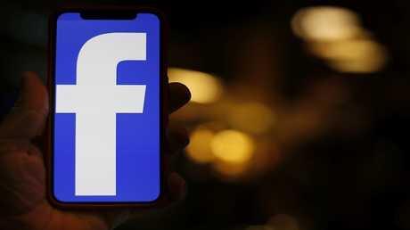 رسالة خادعة تهدد بفضح خصوصية مستخدمي فيسبوك!