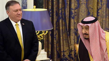 وزير الخارجية الأمريكي، مايك بومبيو، خلال لقائه العاهل السعودي، الملك سلمان بن عبد العزيز