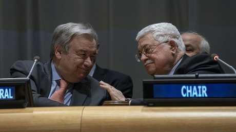 الرئيس الفلسطيني محمود عباس والأمين العام للأمم المتحدة أنطونيو غوتيريش
