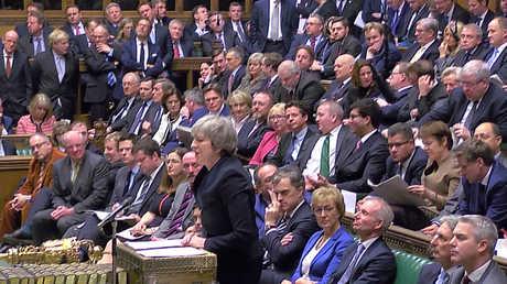 رئيسة الوزراء البريطانية، تيريزا ماي، تدعو مجلس العموم للموافقة على الصفقة حول بريكست