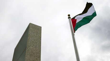 العلم الفلسطيني أمام مقر الأمم المتحدة في نيويورك