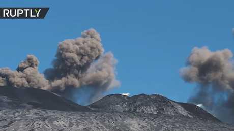 شاهد.. ثوران البركان الأكثر نشاطا في أوروبا!