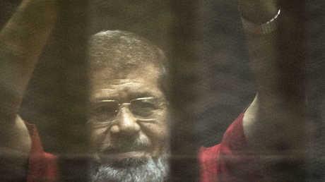 جنايات القاهرة تؤجل إعادة محاكمة مرسي وقيادات الإخوان المسلمين