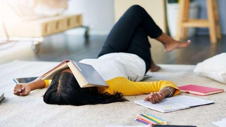 اكتشاف خفايا تعلم كلمات أجنبية جديدة أثناء النوم!