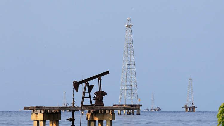 صعود النفط متأثرا بالعقوبات على فنزويلا