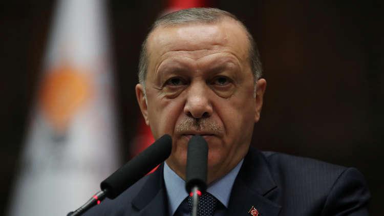 تركيا غير قابلة للتنبؤ: توازنات أردوغان الداخلية والخارجية
