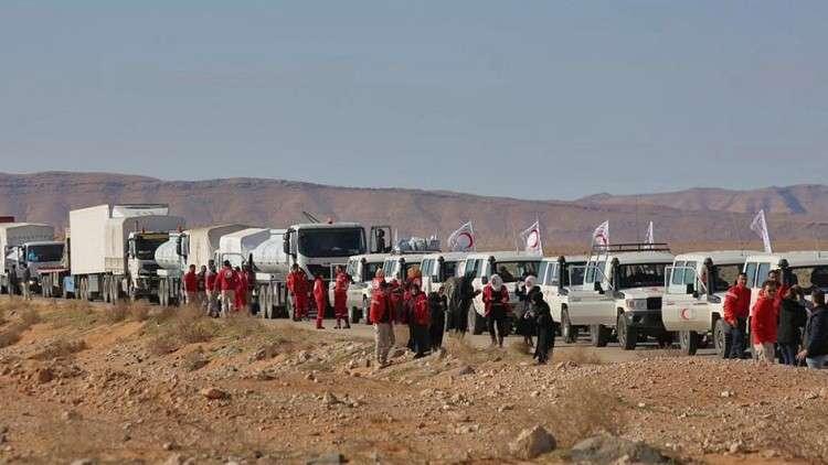 بالفيديو.. وصول قافلة مساعدات أممية إلى مخيم الركبان للنازحين السوريين