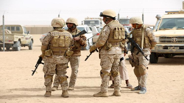 نائب أمريكي يتهم السعودية بإرسال أسلحة إلى جماعات متطرفة في اليمن