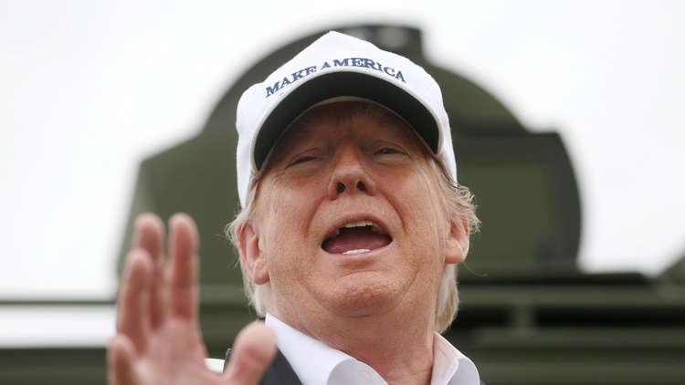دونالد ترامب لن يقف خلف الجدار